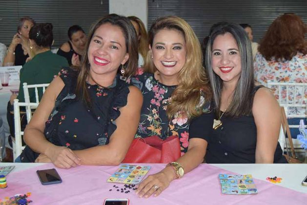 Lupita de Arrazate, Eréndira Bracamontes, Viviana Gómez.