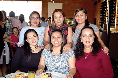 Ana Gamboa, Eunice de León, Wetzel Arrazate, Soledad Martínez, Fabiola Salazar, Loyda de León.