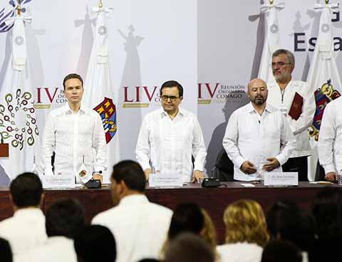 Luego de asumir la Presidencia de la CONAGO, el Gobernador Velasco subrayó que luego de las elecciones del 1 de julio, las y los mexicanos deben trabajar en unidad y siempre por el bien y la grandeza del país.