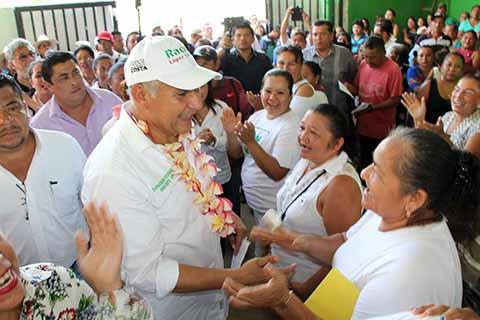 Vamos por Mejor Educación y Salud en la Costa: Raciel López