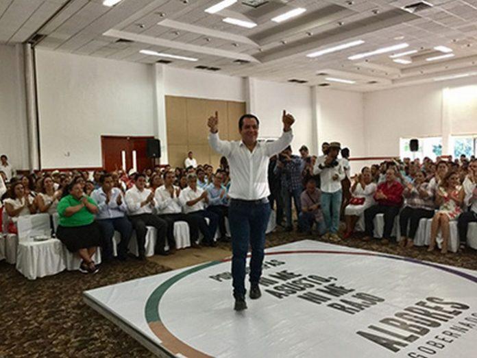 """Roberto Albores Gleason, candidato de la coalición """"Todos por Chiapas"""", precisó que es el momento para que la Entidad sea conocido como destino turístico de clase mundial."""