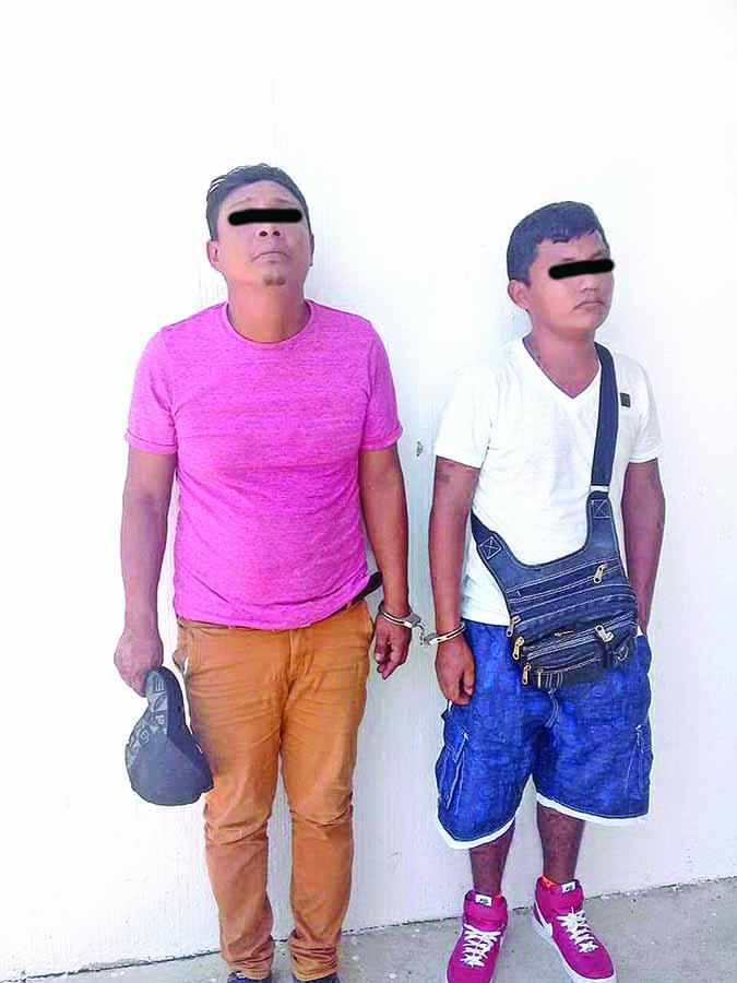 Tres Detenidos por Robar 22 Piezas de Ropa