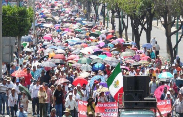 """En el marco del """"Día del Maestro"""", ayer se registraron movilizaciones en varios estados en contra de la Reforma Educativa."""