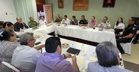 El Grupo de Coordinación Chiapas anunció el reforzamiento de las medidas de seguridad en la red carretera del Estado, en coordinación con instancias federales y los ayuntamientos, para mantener a la entidad como una de las más seguras del país.