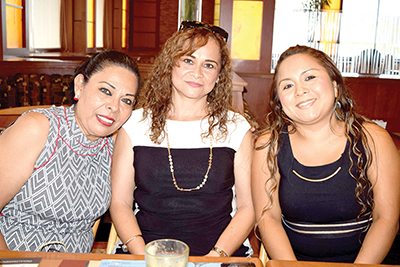 Dolores Trinidad, Amalia Vázquez, Judith Urbina.