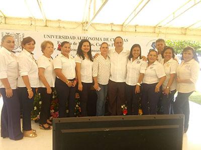 Rinde Cook Narváez su Último Informe en La Facultad de Lenguas de la Unach