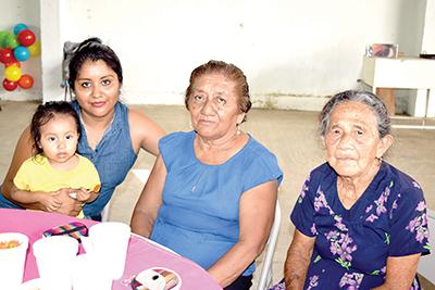 Rocío Meza, Mariand Meza, Alicia Méndez, Celia López.