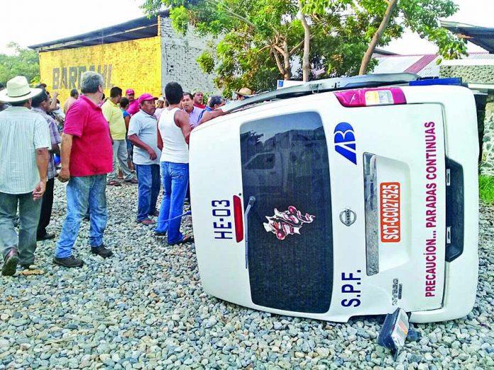 Cinco Heridos en Accidente de Colectivo