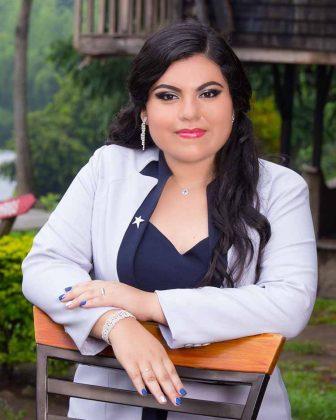 Adelita Concepción Flores Salinas.