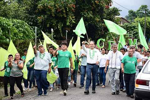 Sigamos Sólo Hacia Adelante en Cacahoatán: Enrique Álvarez