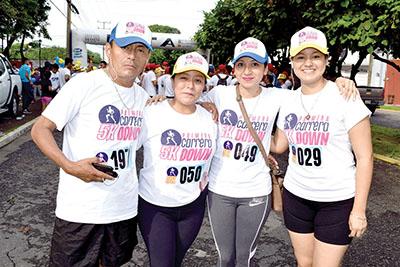 Javier Maas, Paty Velázquez, Marisol Hernández, Vanessa Ángel.