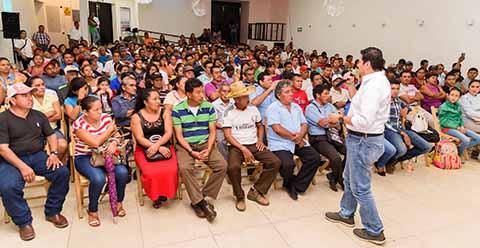 Miles de adheridos al frente de organizaciones civiles (FRENOR), y representantes de al menos 15 organizaciones productoras de café, se pronunciaron para respaldar la campaña del Candidato a la Presidencia de Tapachula por el PVEM, PRI, PANAL y Chiapas Unido, a quien consideran la mejor opción para llevar los destinos de la ciudad.