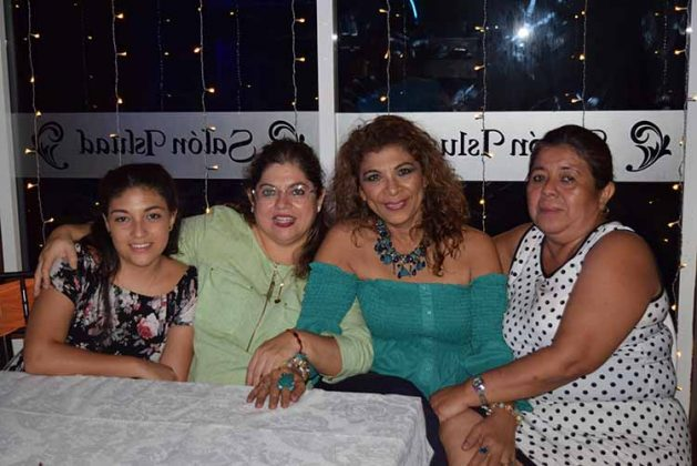 Diana Bazan, Flor Alamilla, Carmelita Castro, Socorro Pérez.
