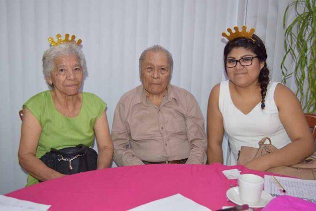 Amanda Cruz, Ovidio Mota, Patricia Morales.