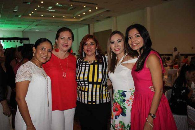 Gisela Castillo, Elizabeth Juárez, Heidi Reyero, Lisset Armento, Marycarmen Salgado.