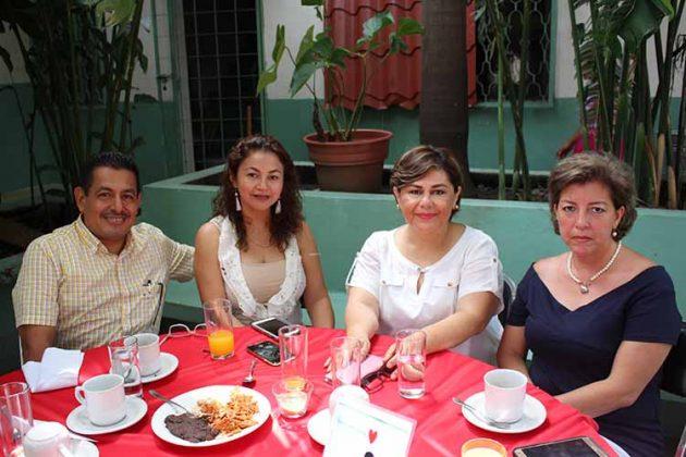Marco Monzón, Gabriela Berchetl, Marisol Espinoza, Flory Colón.