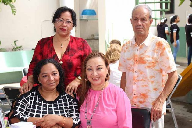 Gloria D´Aquino, Alicia Almanza, Ángeles Pimentel, Pepe Reyes.