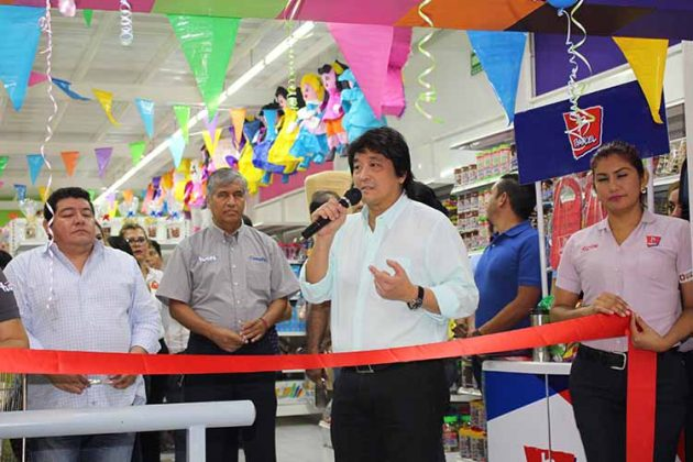 """Ernesto Loo, director general de """"Autoservicios del Ahorro Loo"""" agradeció a todos por su preferencia."""