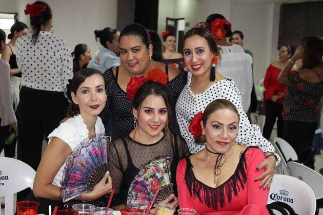 Fabiola Cruz, Alejandra Escamilla, María Betancourt, Gaby Villegas, Ada Patricia López.