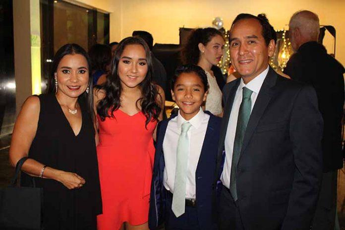 Ruth Aceves, Lorena, Gerardo, Antonio Águila.