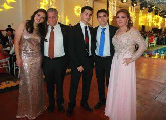 Mariel, Roberto, Luis, Roberto, Malena de Grajales.