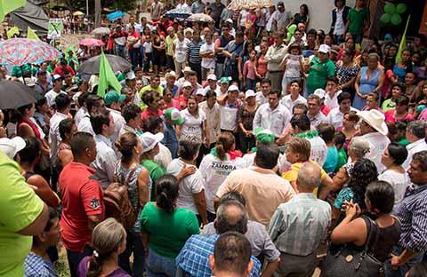 En gira de proselitismo por las comunidades de El Triunfo, El Edén, Zaragoza y Cinco de Mayo, los habitantes le refrendaron su respaldo al candidato a la Presidencia Municipal de Tapachula.