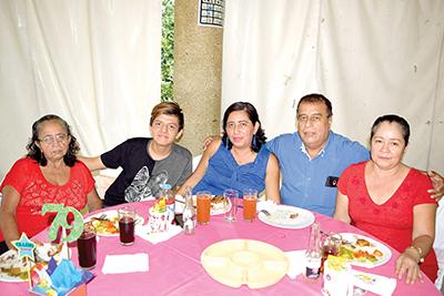 Oralia Sandoval, Michel Eduardo, Verónica Infante, Reginaldo Sandoval, Hilda de la Cruz.