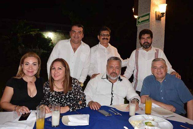 Vania López, Mónica Salgado, Juan González, Fermín González, Miguel Reyes, Abel Victorio, Ildefonso Ochoa.