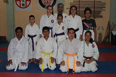Karatecas se Preparan Para 2do. Selectivo