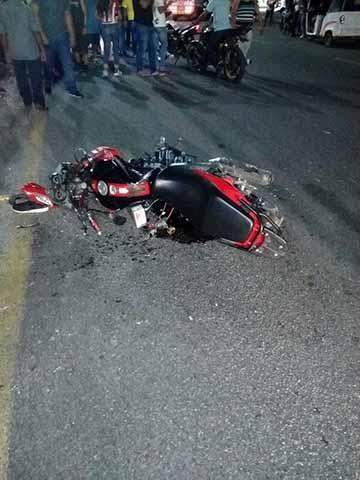 Grave Motociclista que fue Impactado por una Camioneta