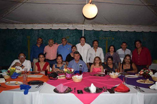 Comité Ejecutivo Seccional de la Sección XIV Chiapas del SNTSS, encabezado por el Doctor Carlos Rogelio Canel Barredo.