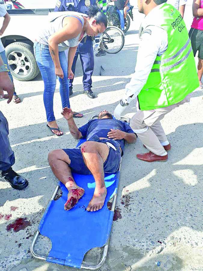 Motociclista Lesionado en Accidente Vehicular