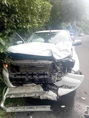 Fallece Joven que se Estrelló Contra una Camioneta