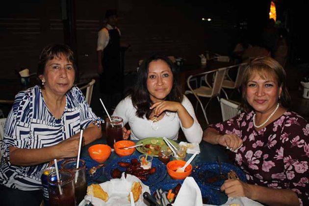 Isabel Morales, Gualupe Gordillo, Sonia Olayde.
