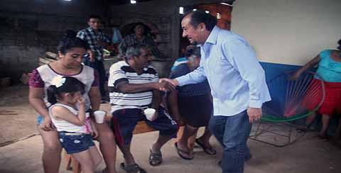 Refrendan Apoyo a Carlos Pano Becerra