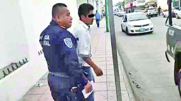 Presunto Ladrón fue Detenido por Robarle a una Dama