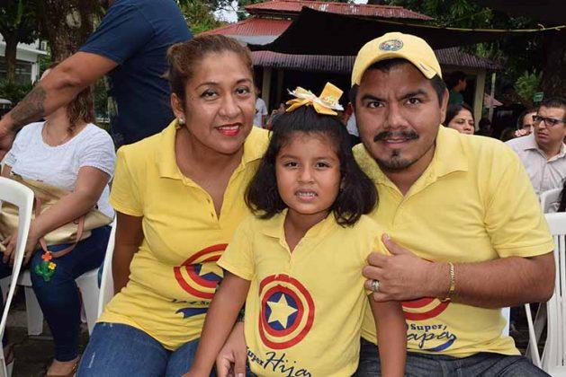 Herminia Jarquin, Luisa Sofía, Luis Cordero.