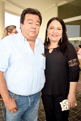 Luis Marquez, Mónica Juárez.