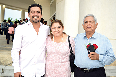 José Luis, Mariana Antonieta, José Luis Cortes.