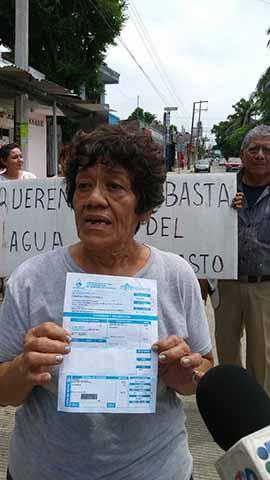 Sin Agua Desde Hace 20 Días Habitantes del Fracc. Guadalupe
