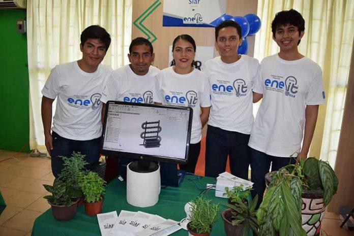"""""""Siar"""" Sistema de riego automatizado: Kevin Miranda, Javier López, Concepción Castillejos, Franco Moreno, Mario López."""