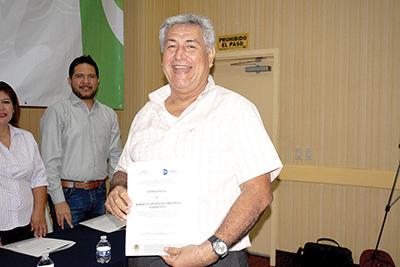 Roberto Apolinar.