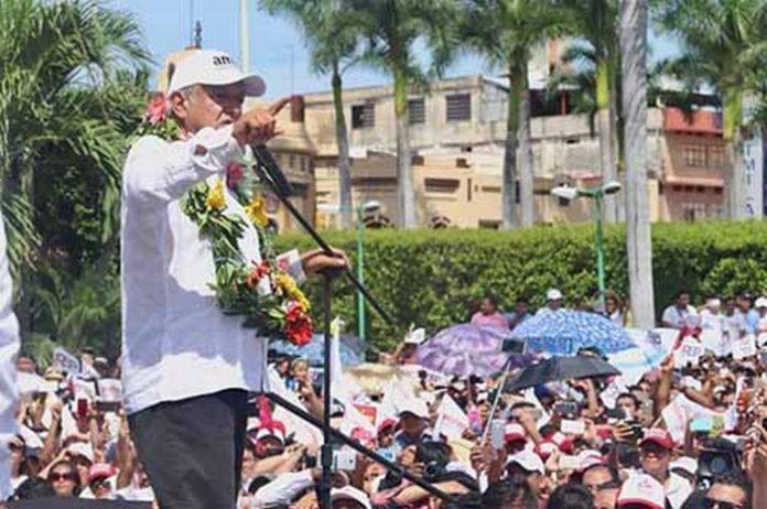 """El candidato de la Coalición """"Juntos Haremos Historia"""", realizó una visita a esta ciudad como parte de su campaña presidencial, donde abordó diversos temas y propuestas, ante miles de simpatizantes y militantes."""