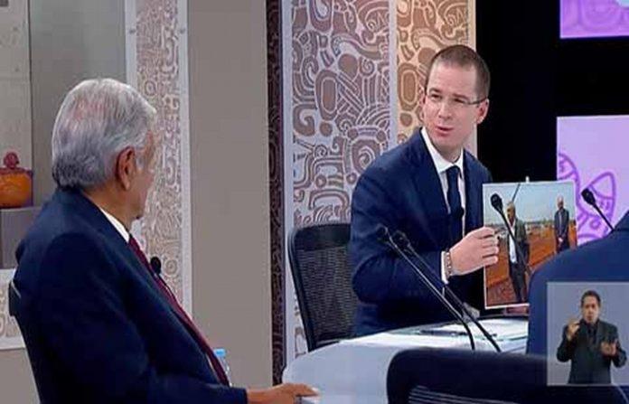 En pleno debate, Ricardo Anaya acusó a Andrés Manuel López Obrador de las adjudicaciones millonarias que otorgo sin licitación pública.