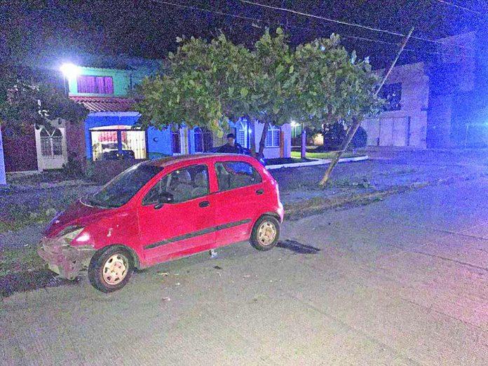 Abandonan Carro Chocado