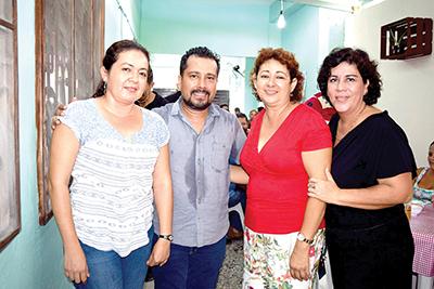 Blanca Caballero, Claudia García, Irlanda Flores, Ronald Vázquez.