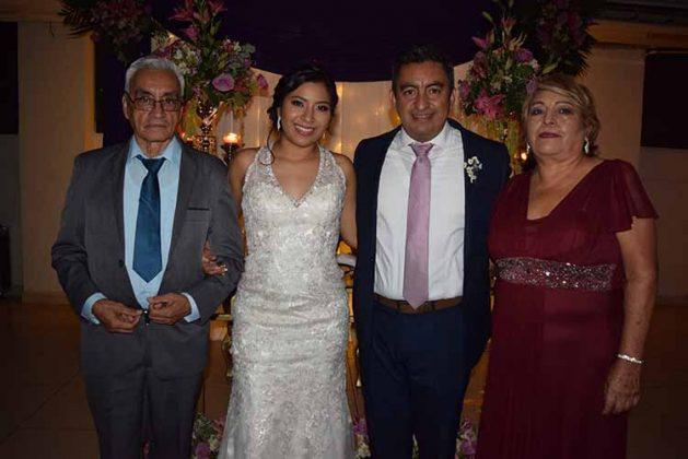 Esteban Meza, Ana Velázquez, Esteban Meza, Enriqueta Vázquez.