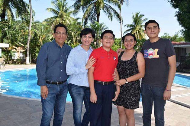 Familia Simón Calderón.