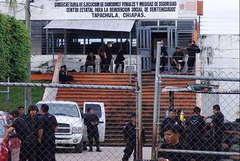 """Internos del CERSS No. 3 Solicitan Trasladar Reos Peligrosos a """"El Amate"""""""