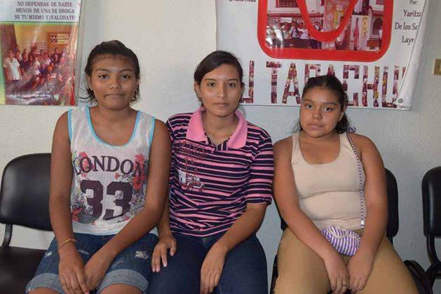 Keila Pereyra, Yacquelin Pereyra, Karen López.